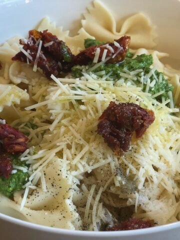 basil pasta with sundried tomatoes and bow tie pasta fresh basil