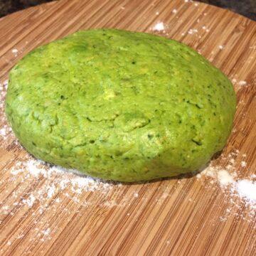 spinach pizza dough