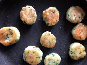 The Curry Mommy ragda pattice chaat recipe potatp patties ragda patties