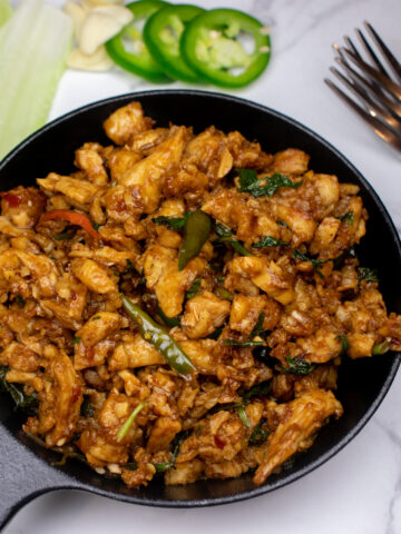 mint chicken recipe with fresh made spices and thai chilies