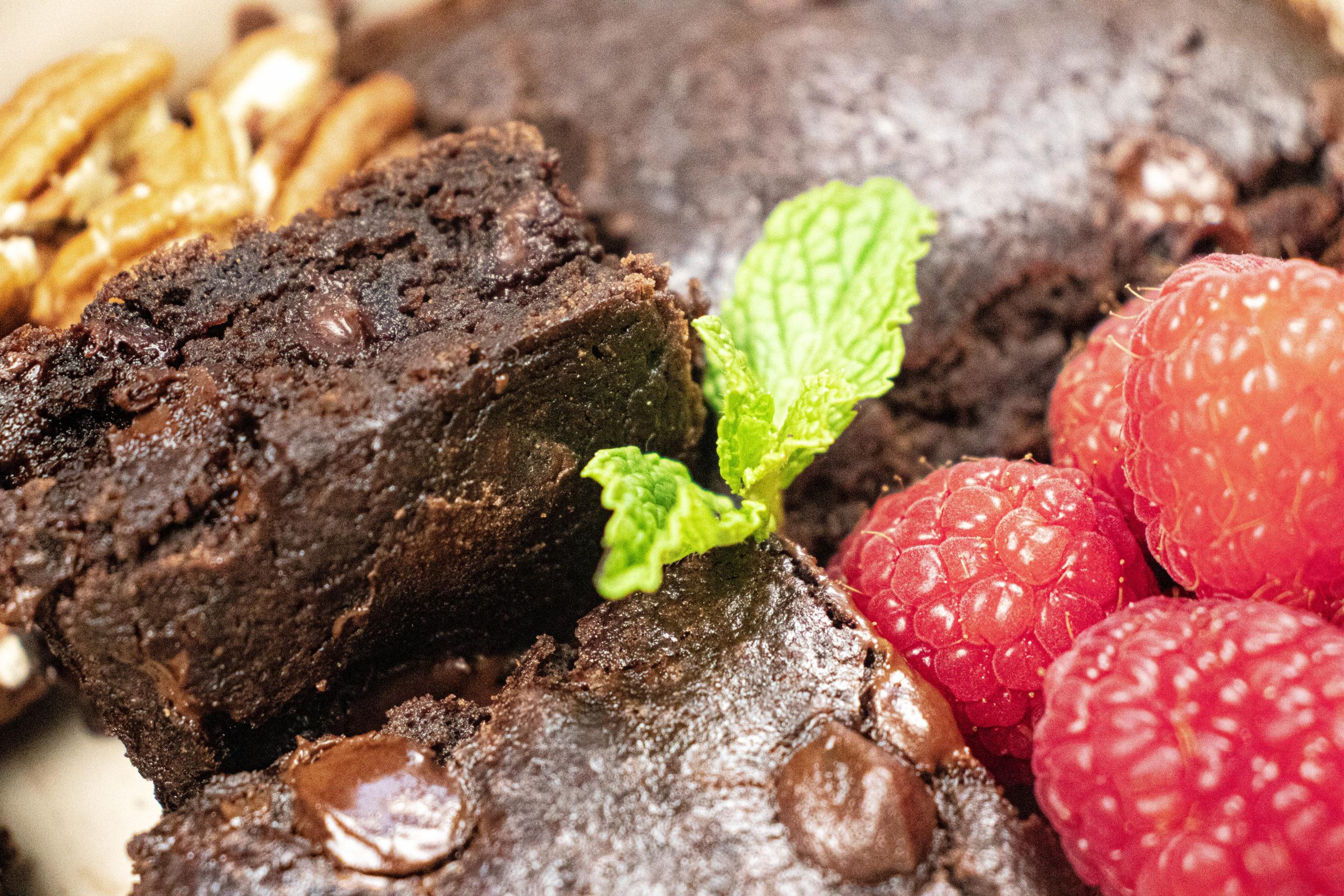 gluten free vegan brownie recipe black bean brownie fudgy healthy dessert trader joes easy
